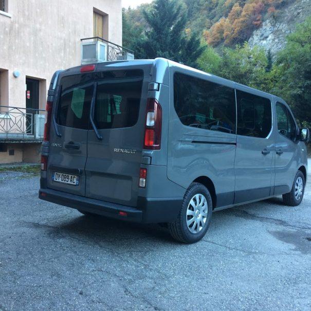 renault-trafic-combi-taxi-meribel-3